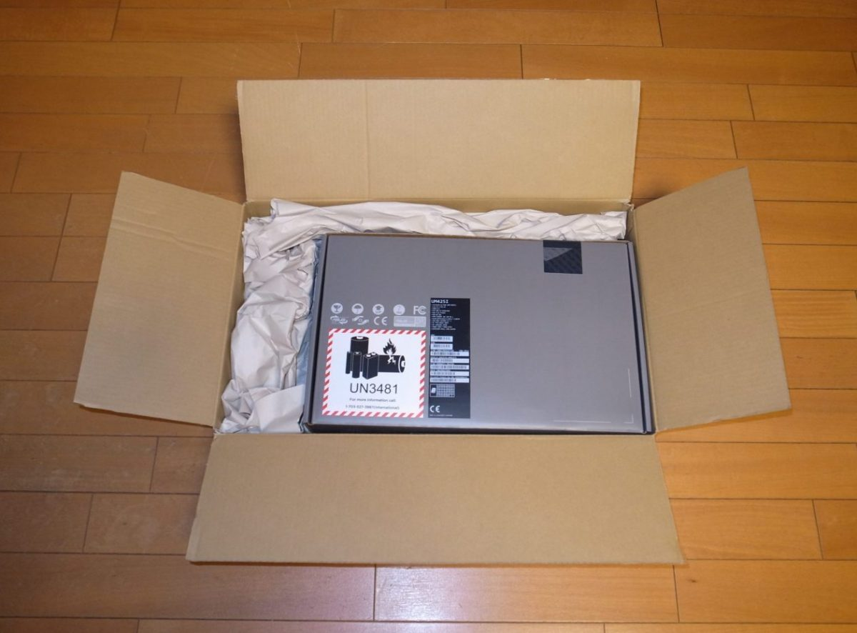 納品ASUS ZenBook 14