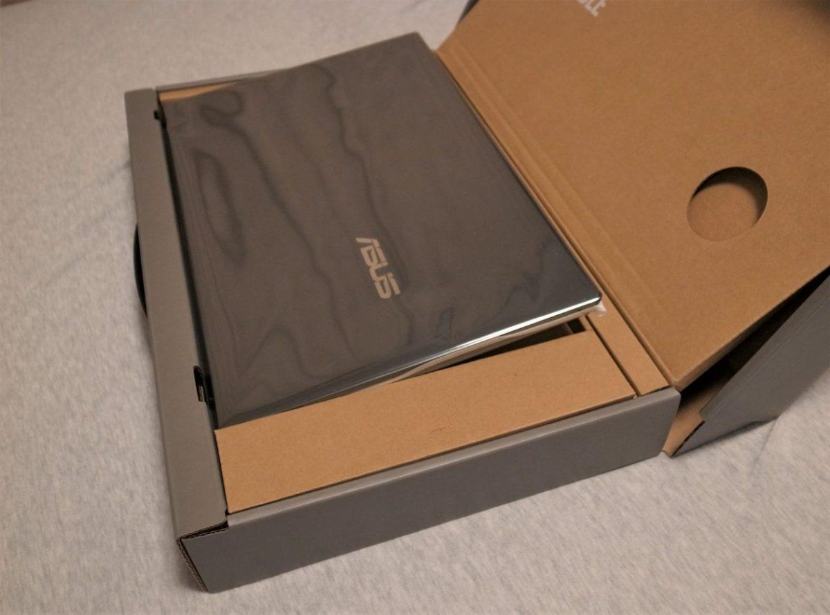 ASUS ZenBook 14梱包2